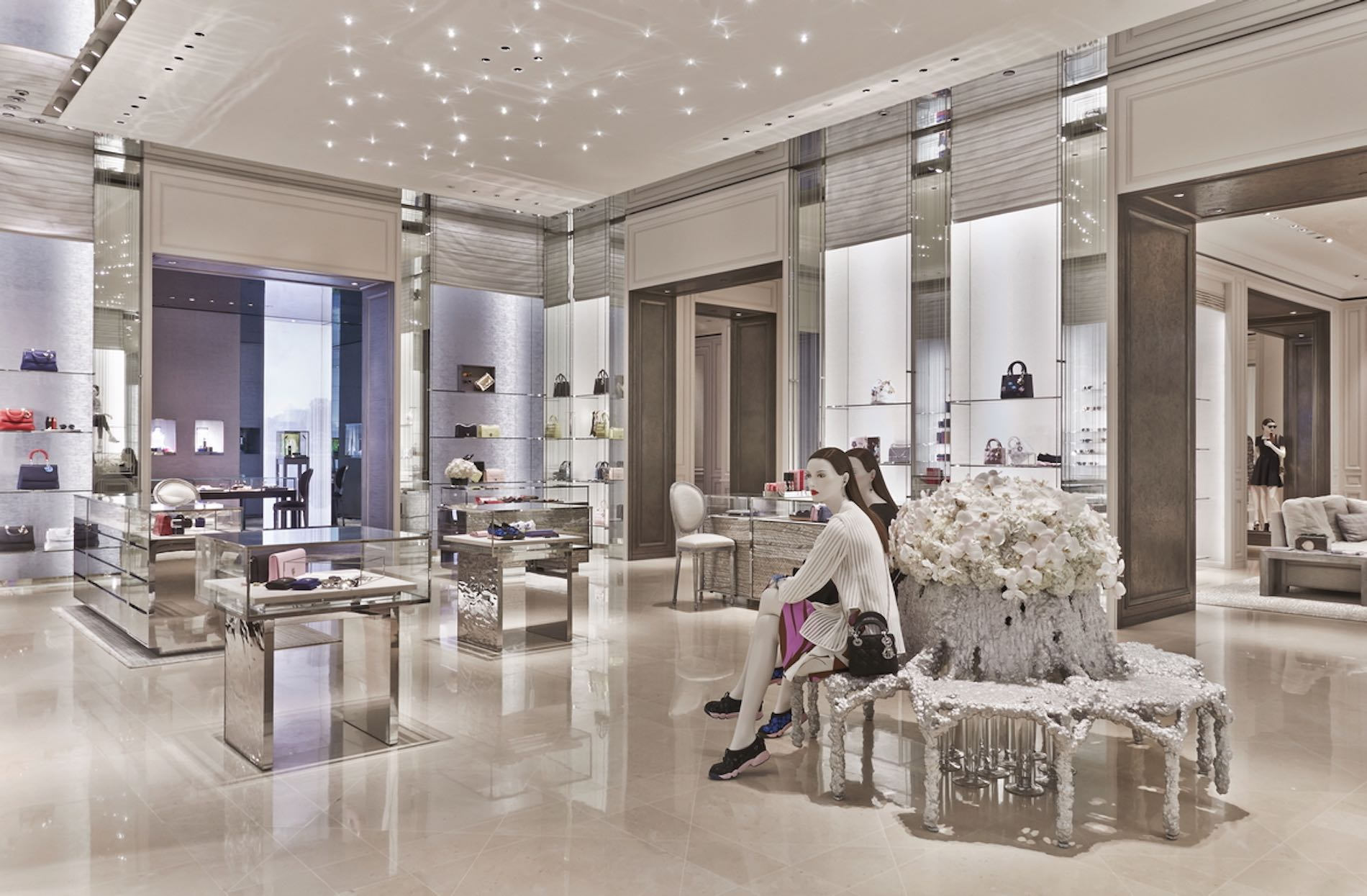 Dior Opens Largest Flagship Store In Singapore 1st Ladies