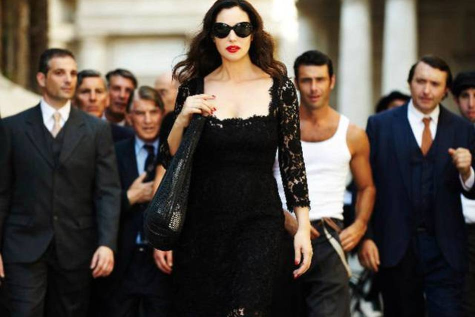 Monica Bellucci plays an Italian star who turns heads as she walks in the streets of Rome before meeting friends