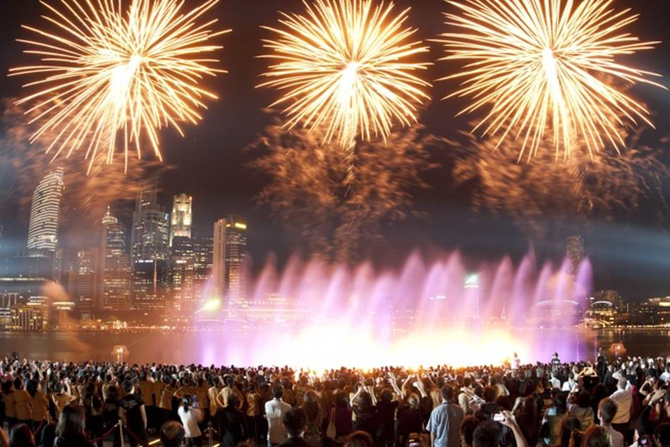 Marina Bay's 1st Light and Water Spectacular showcases latest multimedia technology and special effects
